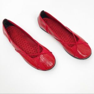 Privo by Clark's Red Ballet Flats Slip On Shoes 8